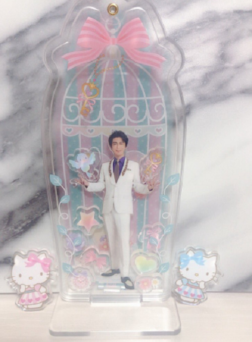 oikawamitsuhiro-sanrio-acrylstand